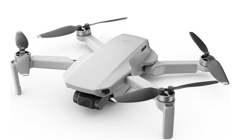poza drona incepatori DJI Mavic Mini