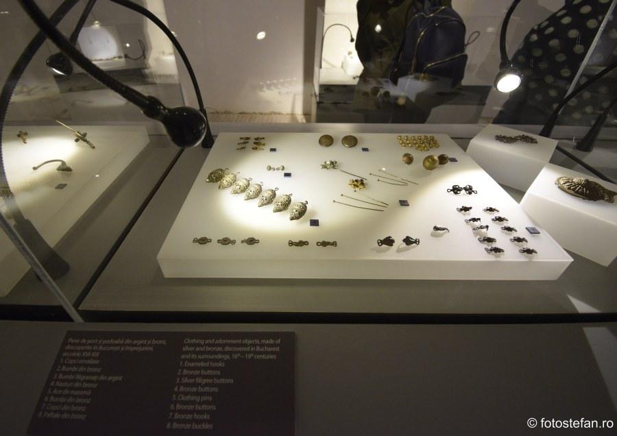 Expozitie de Bijuterii bucuresti muzeu casa cesianu fotografii