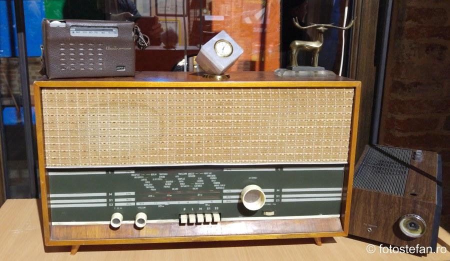 fotografie radio romanesc expozitie branduri produse romanesti
