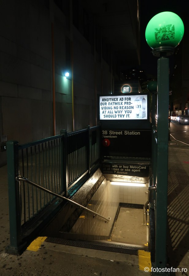 poza lampa intrare metrou new york calatorie america