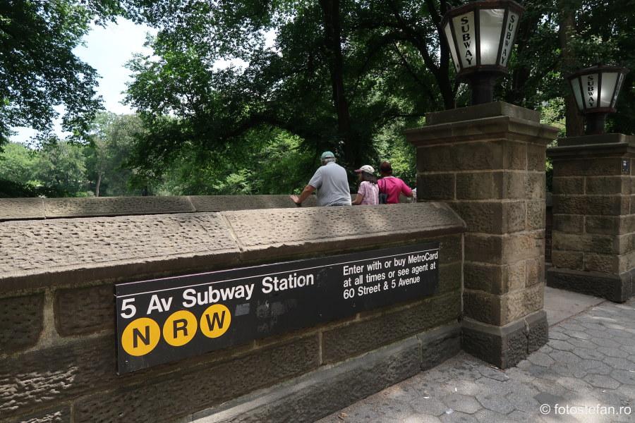 poza intrare metrou statie central park new york sua