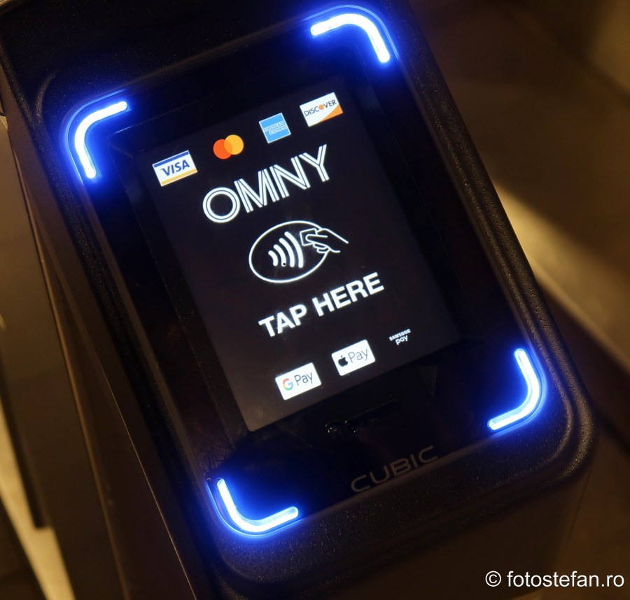 poza plata electronica metroul din new yotk OMNY  One Metro New York Tap-and-Go contactless