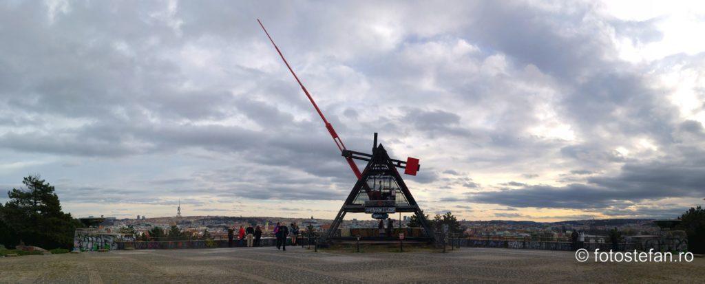 fotografie panoramica metronom praga cehia