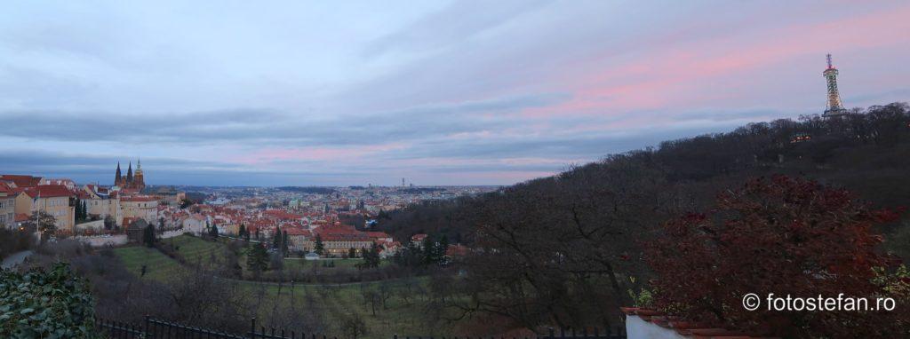 fotografie panoramica praga turnu petrin catedrala vitus