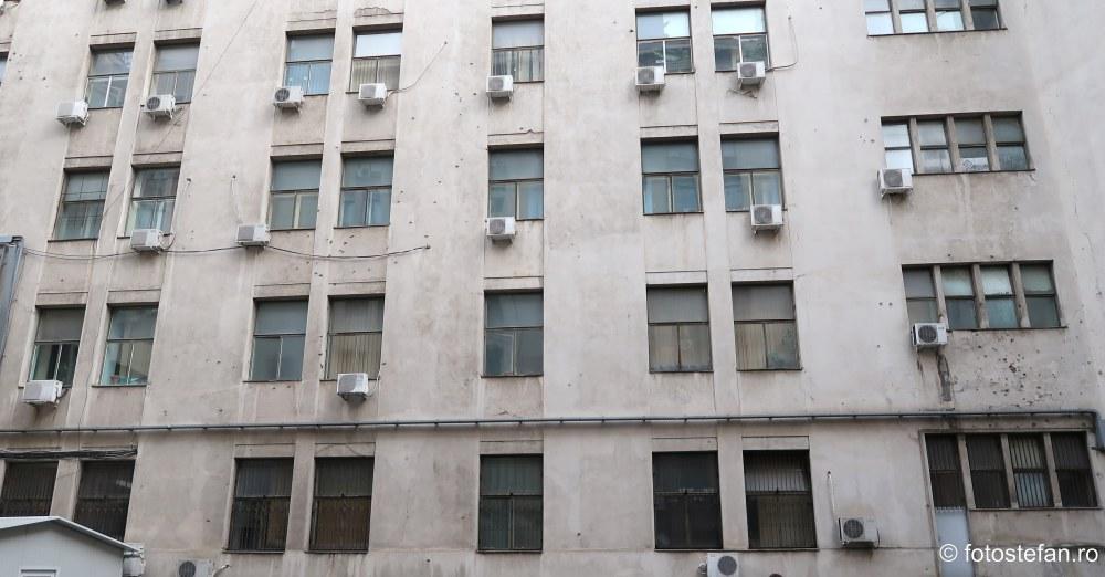 fotografii pereti gauriti gloante decembrie 1989 sediul MAI Bucuresti