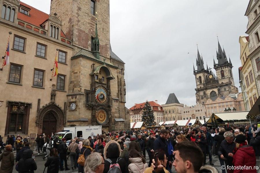 poze obiective turistice praga aglomeratie turisti