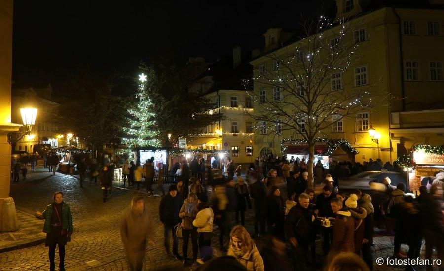 poze piete craciun praga cehia decembrie turisti