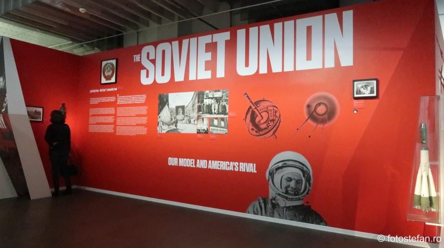 poze muzuel comunismului obiectiv turistic praga city break