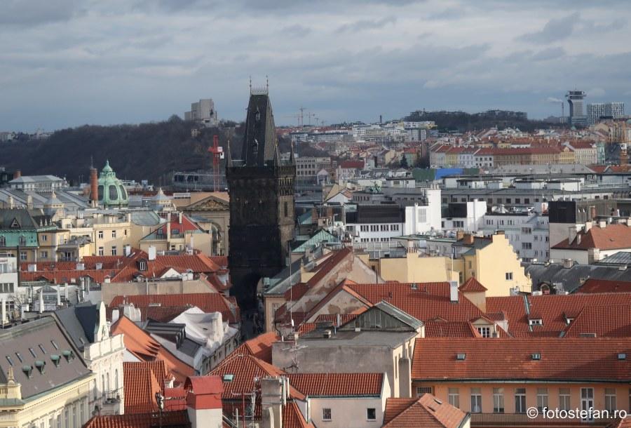 Praga vazuta de sus turnul pulberii fotografie turistica