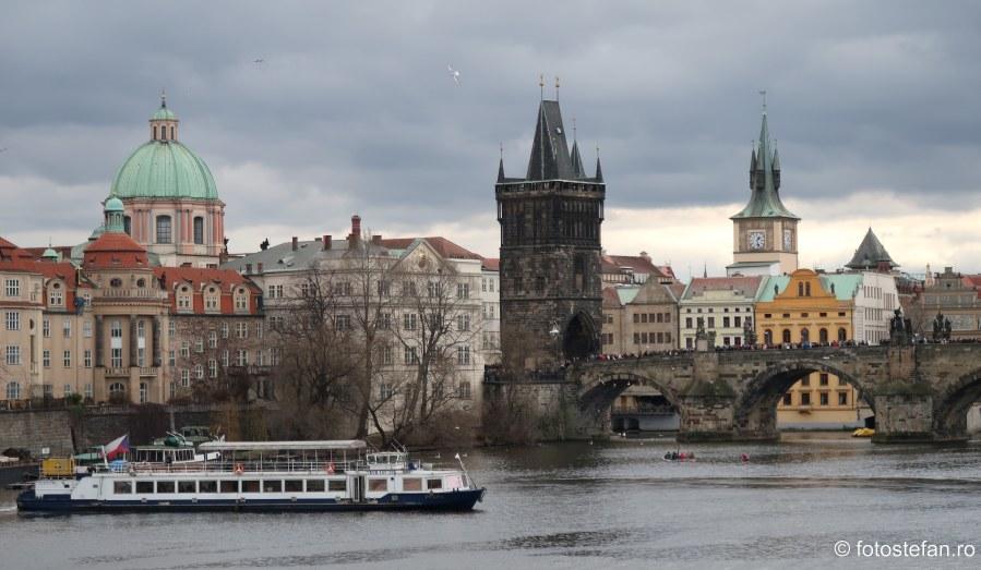 fotografii podul Carlov Karluv most Charles bridge Praga