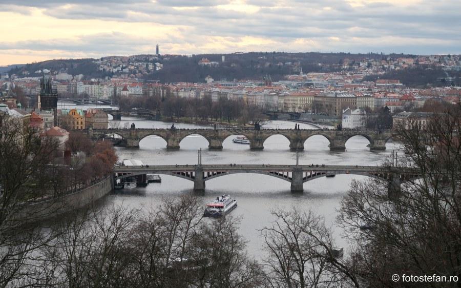 fotografie poduri praga city break decembrie innorat