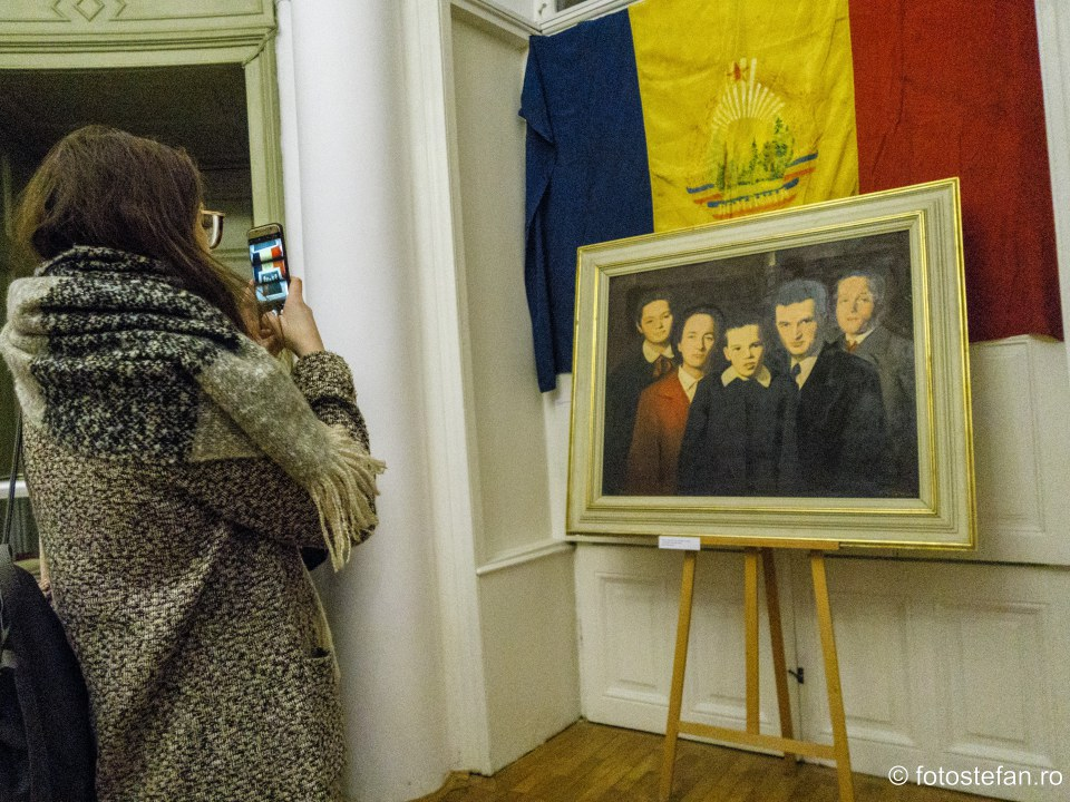 """poze Vernisajul expozitiei """"Revolutia din Decembrie 1989. Locuri ale memoriei in Bucuresti"""""""
