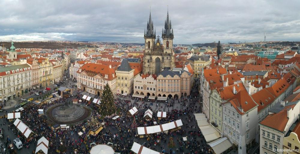 poza panoramica piata centrului vechi praga sarbatori iarna 2019