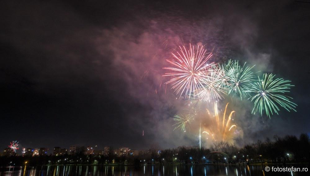 poze Artificii de Revelion parc a.i. cuza bucuresti sector 3