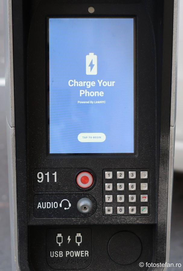 poza statie incarcare telefon mobil spatiu public port USB