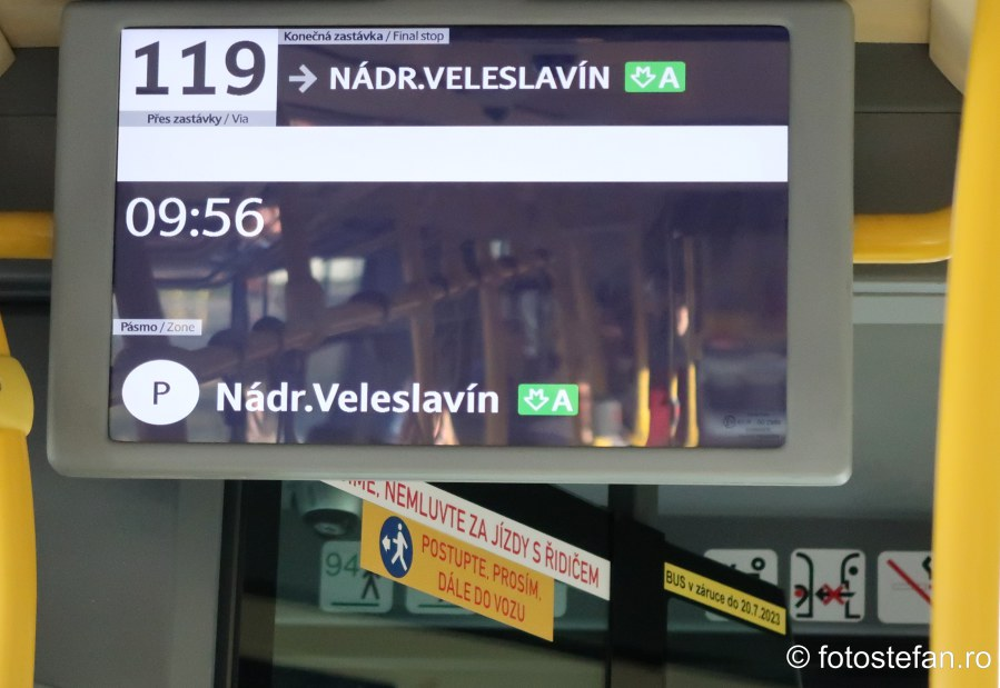 fotografie afisaj electronic informatii autobuz 119 praga aeroport