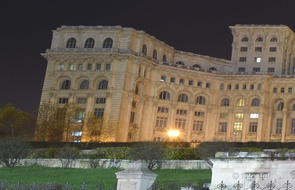 fotografie arhitectura casa poporului parlament bucuresti romania