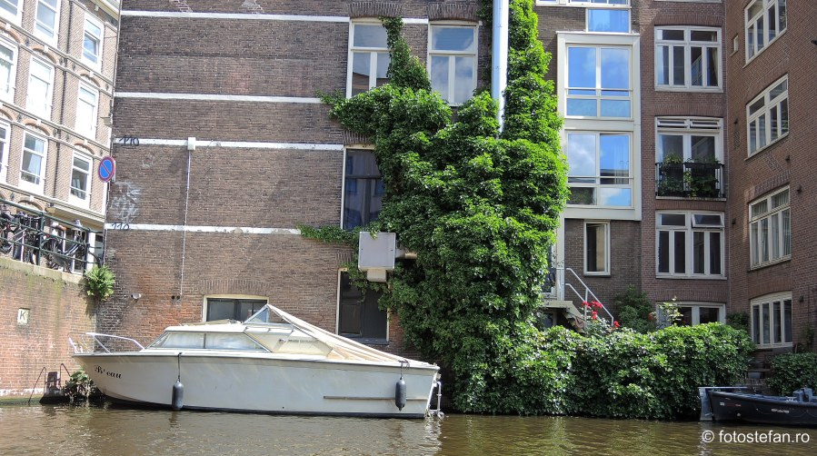 fotografie barca canal amsterdam olanda