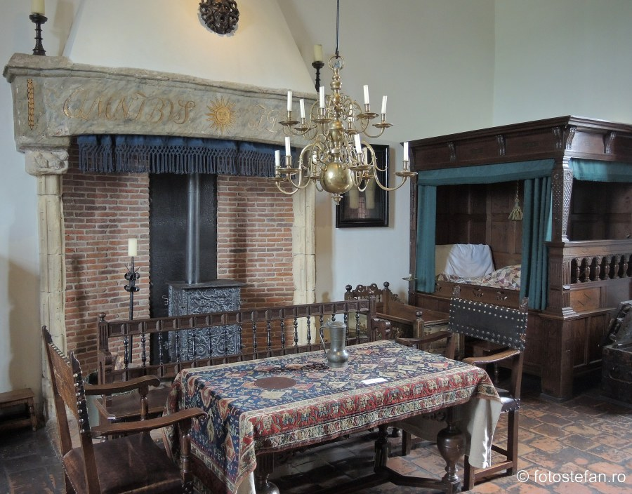 poza interior castel medieval muiden olanda