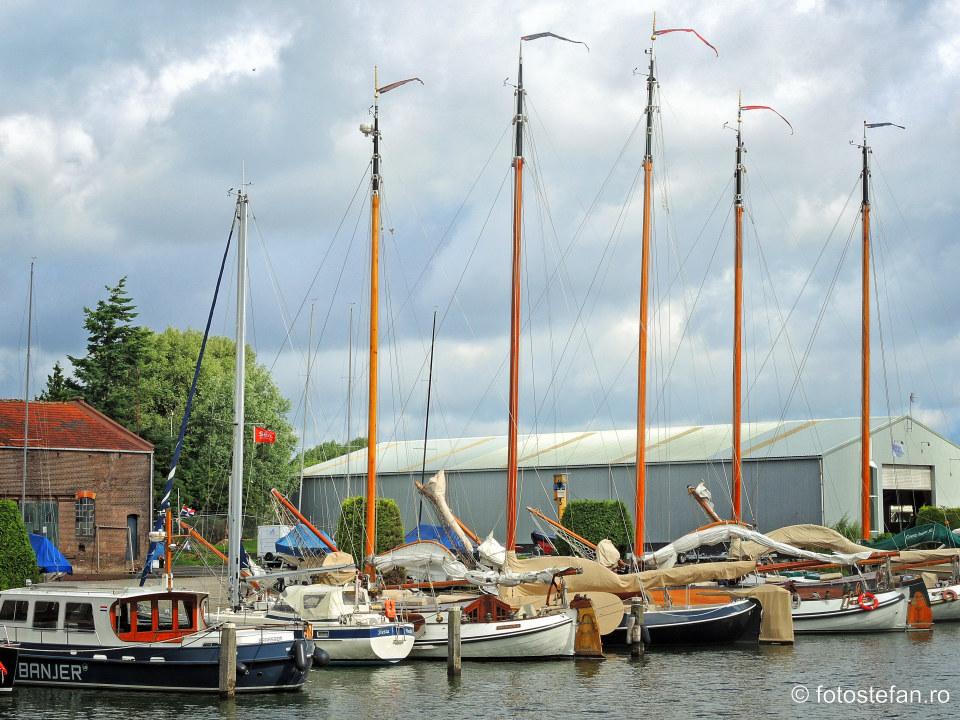 fotografie ambarcatiunicanal muiden locuri de vizitat langa Amsterdam