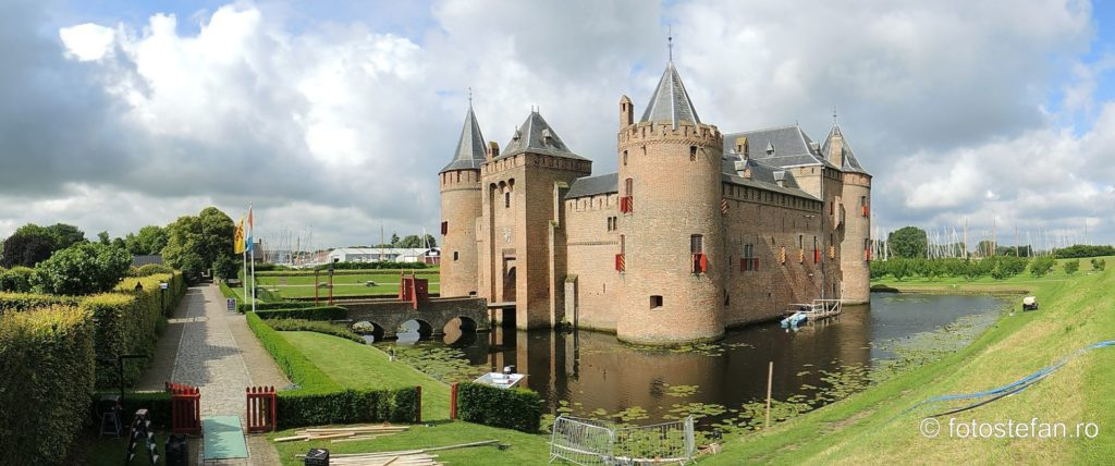 fotografie panoramica cetate medievalal olandeza muiden
