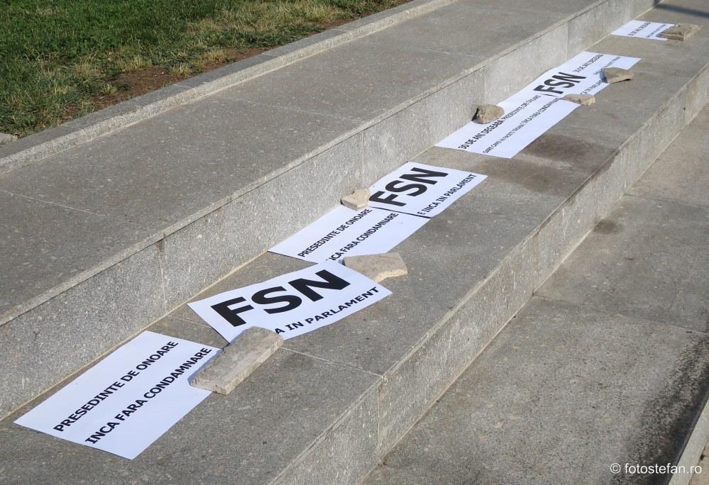 protest anti frontul salvarii nationale fsn ion iliescu