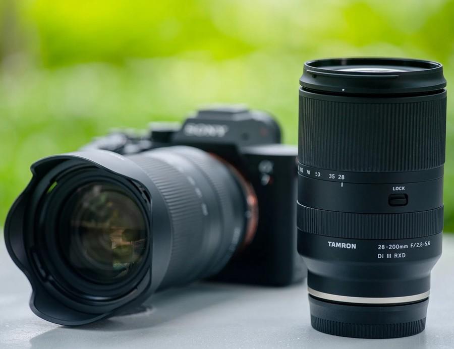 Tamron 28-200mm F2.8-5.6 RXD III poza obiectiv zoom sony mirrorless