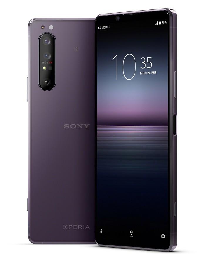 poza telefon mobil violet Sony Xperia 1 II