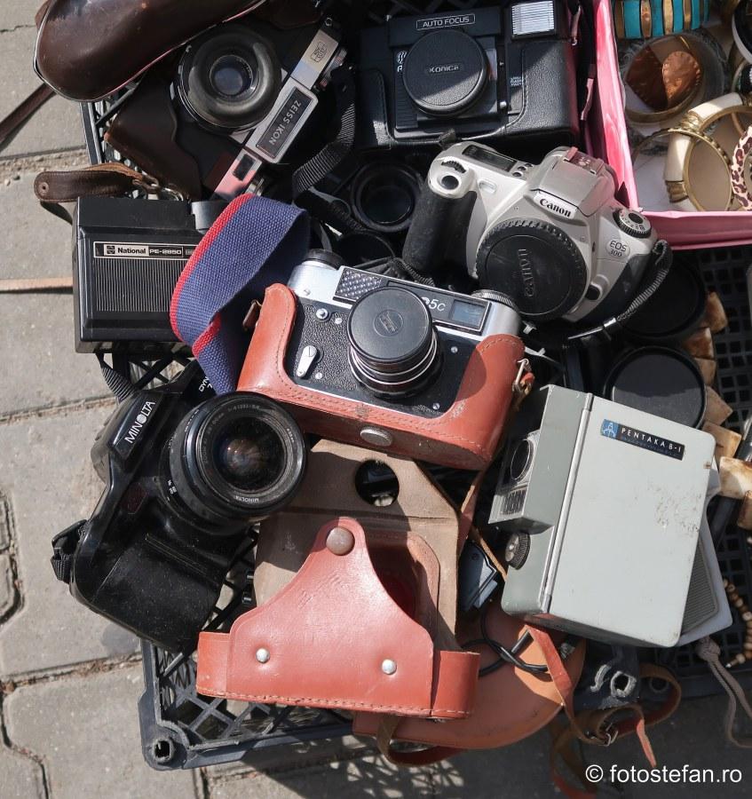 poza vechi aparate foto targ recomandarii accesorii foto