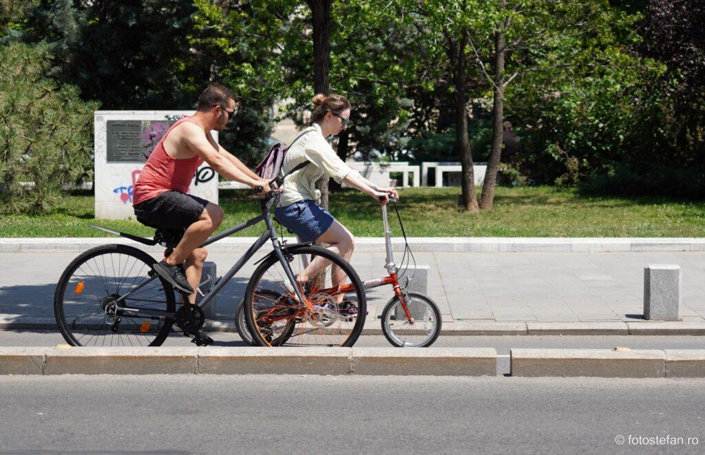 bicicleta mica biclista fata
