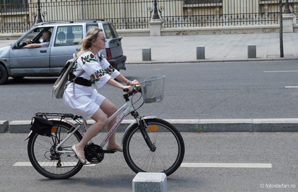 fotografie bicicleta fata ie romanca