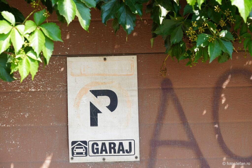 foto semn parcare interzisa usa garaj bucuresti