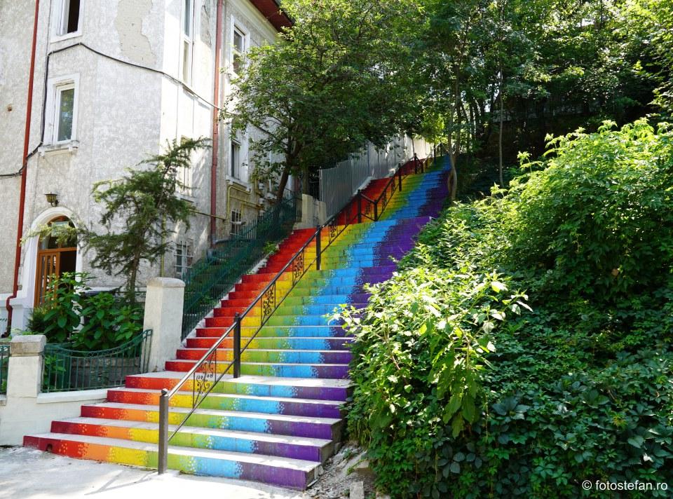 foto trepte colorate strada parc romniceanu cotroceni bucuresti