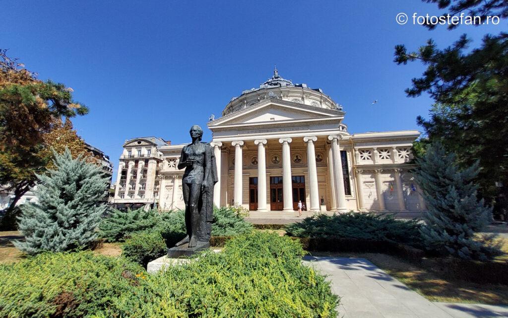 poze camera foto unghi larg statuie mihai eminescu ataeneul roman bucuresti