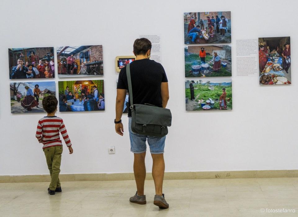 vernisaj expozitie fotografie romi cortorari tradiiti nunta