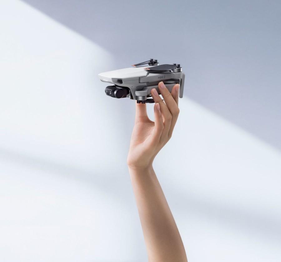 drona mica compacta usoara performanta