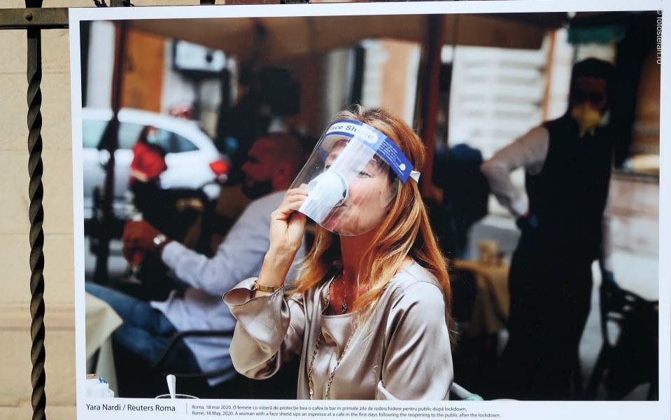 LOCKDOWN ITALIA fotografii fata viziera protectie cafea