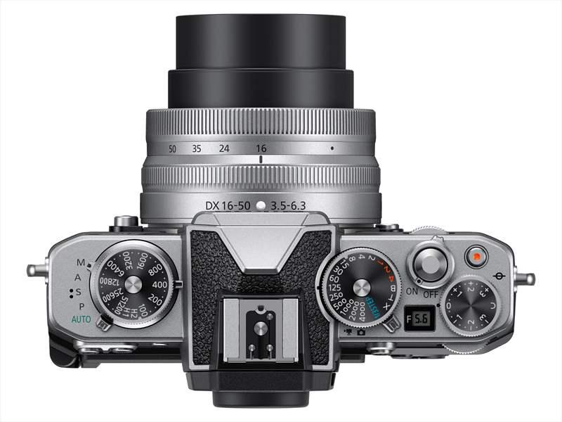 poza aparat foto mirrorless compact zoom