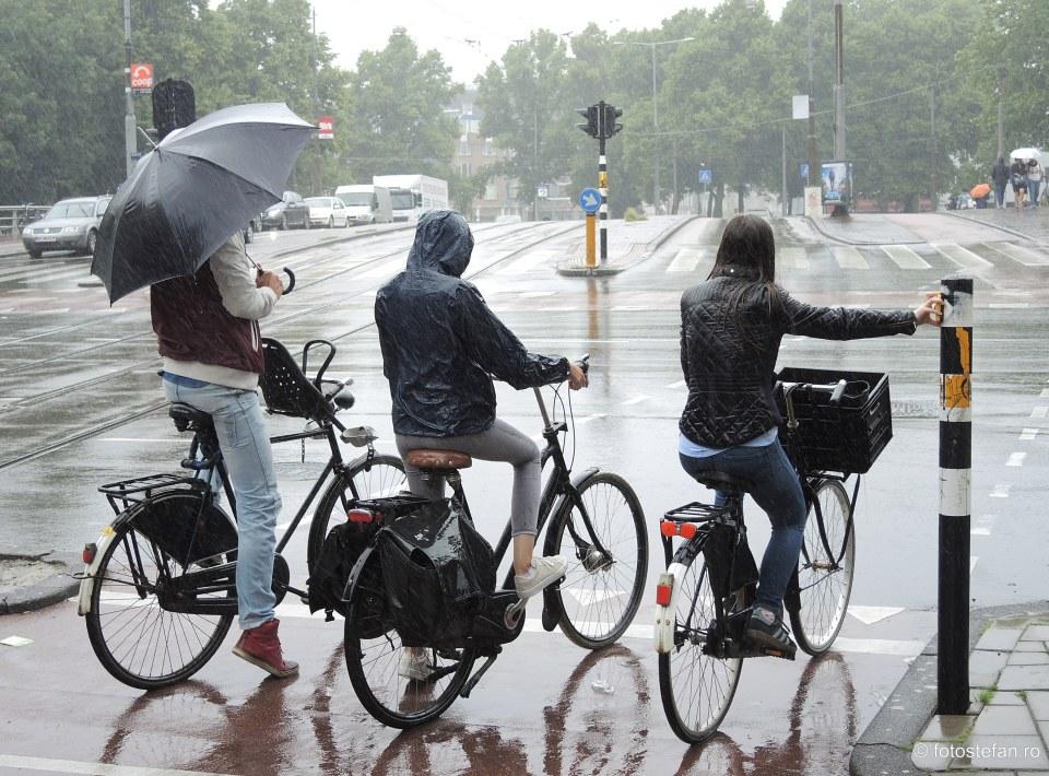 Sugestii de fotografiere pe timp de ploaie