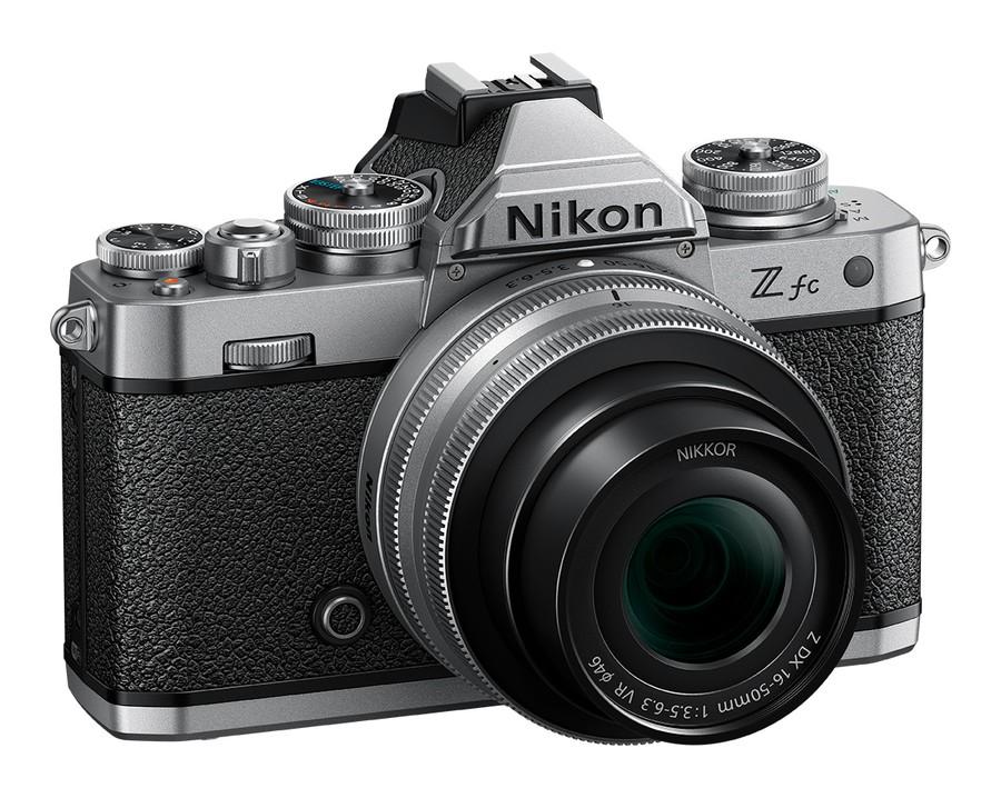 Nikon Z fc poza aparat foto mirrorless desing retro