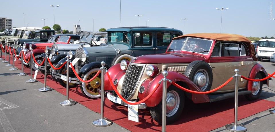 Expozitie de masini de epoca bucuresti colosseum mall