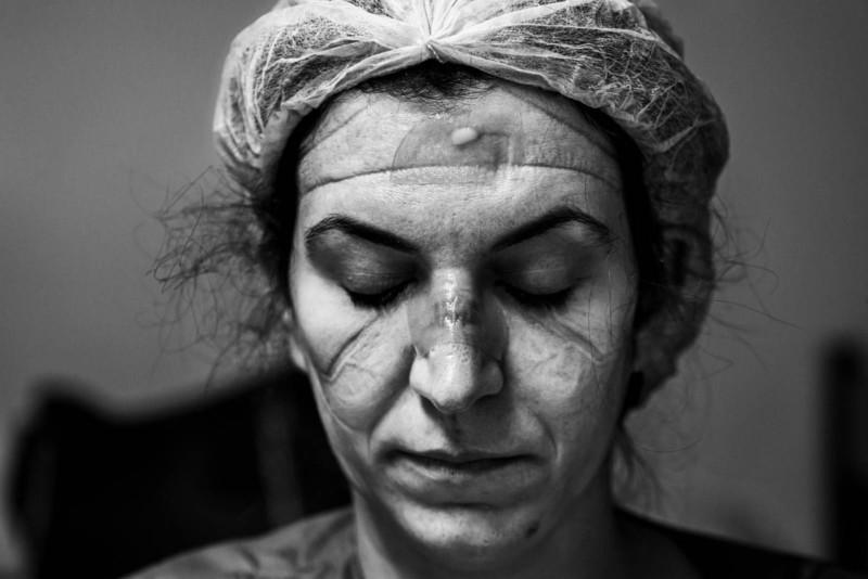 poza alb negru portret doctor urgente